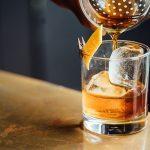 「ウイスキーに水を少し入れるとおいしくなる」と科学的に証明される