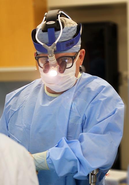 外科医に聞いた、手術中にもっとも集中力が増すBMGは「ヘビメタ」